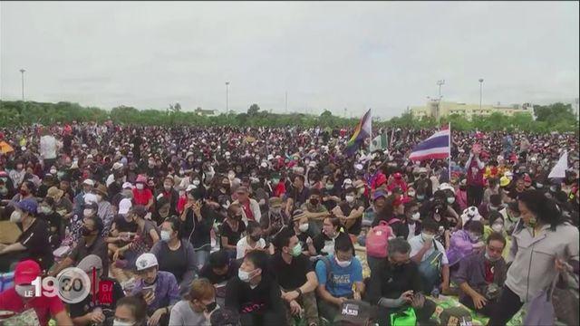 Plusieurs dizaines de milliers de manifestants à Bangkok pour demander plus de démocratie [RTS]