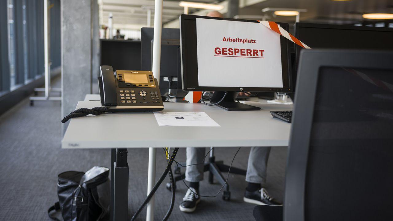 Les mesures liées au coronavirus ont entraîné une explosion des demandes de chômage partiel en Suisse. [Alessandro della Valle - Keystone]