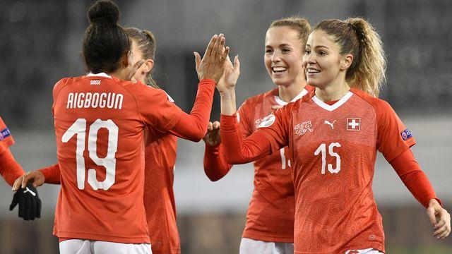 Les joueuses de l'équipe de Suisse espèrent avoir le sourire après le match ce soir. [Walter Bieri - Keystone]