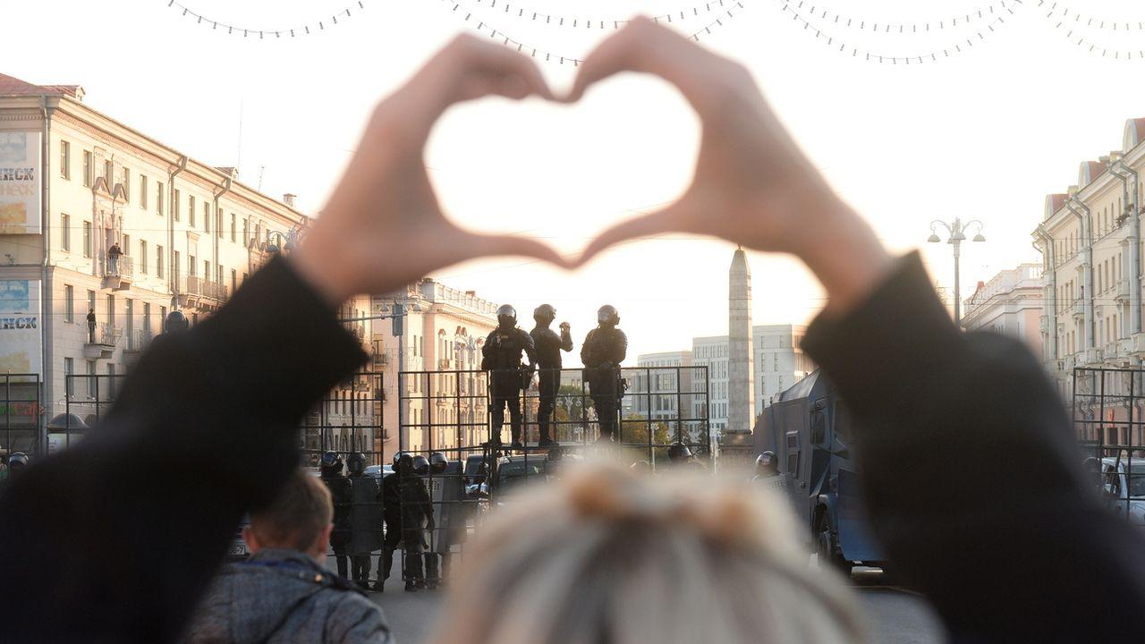 Une manifestation contre le résultat de l'élection présidentielle à Minsk, en Biélorussie, le 20 septembre 2020. [EPA/STR - Keystone]