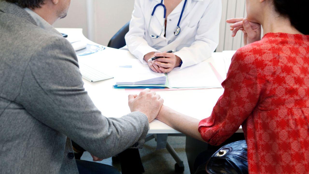La procréation médicalement assistée propose diverses possibilités pour traiter les problèmes dʹinfertilité. [B. Boissonnet - BSIP / AFP]