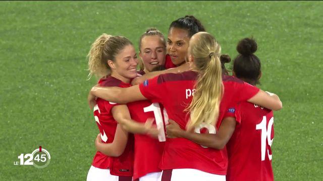 L'équipe de Suisse féminine de football fait un grand pas vers l'Euro 2022. [RTS]