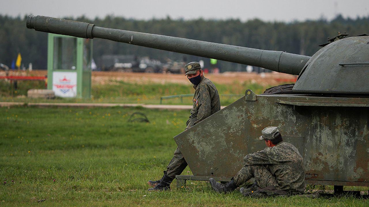 Pour la première fois depuis 2014, la Russie va dépenser davantage pour soutenir son économie que pour financer l'armée. [Maxim Shemetov - Reuters]