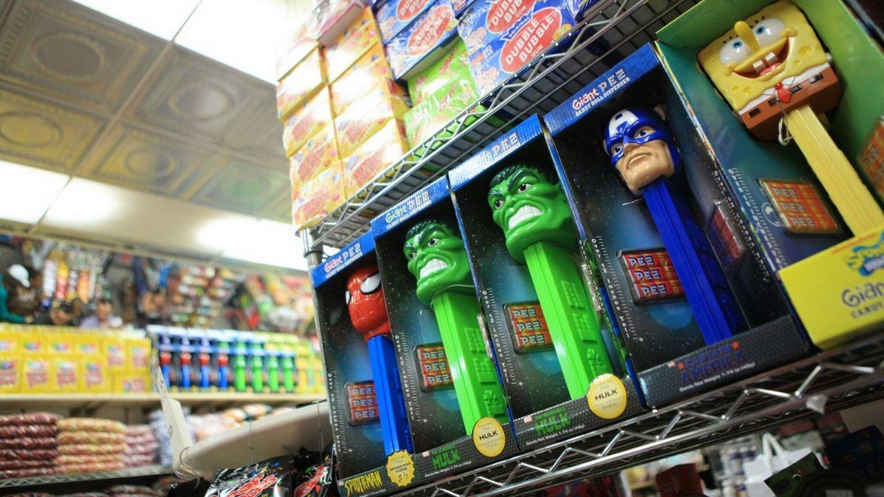 La ville de Berkeley va interdire la vente des chips et des bonbons sur les présentoirs situés aux caisses des supermarchés.  [Gilles Targat - AFP]