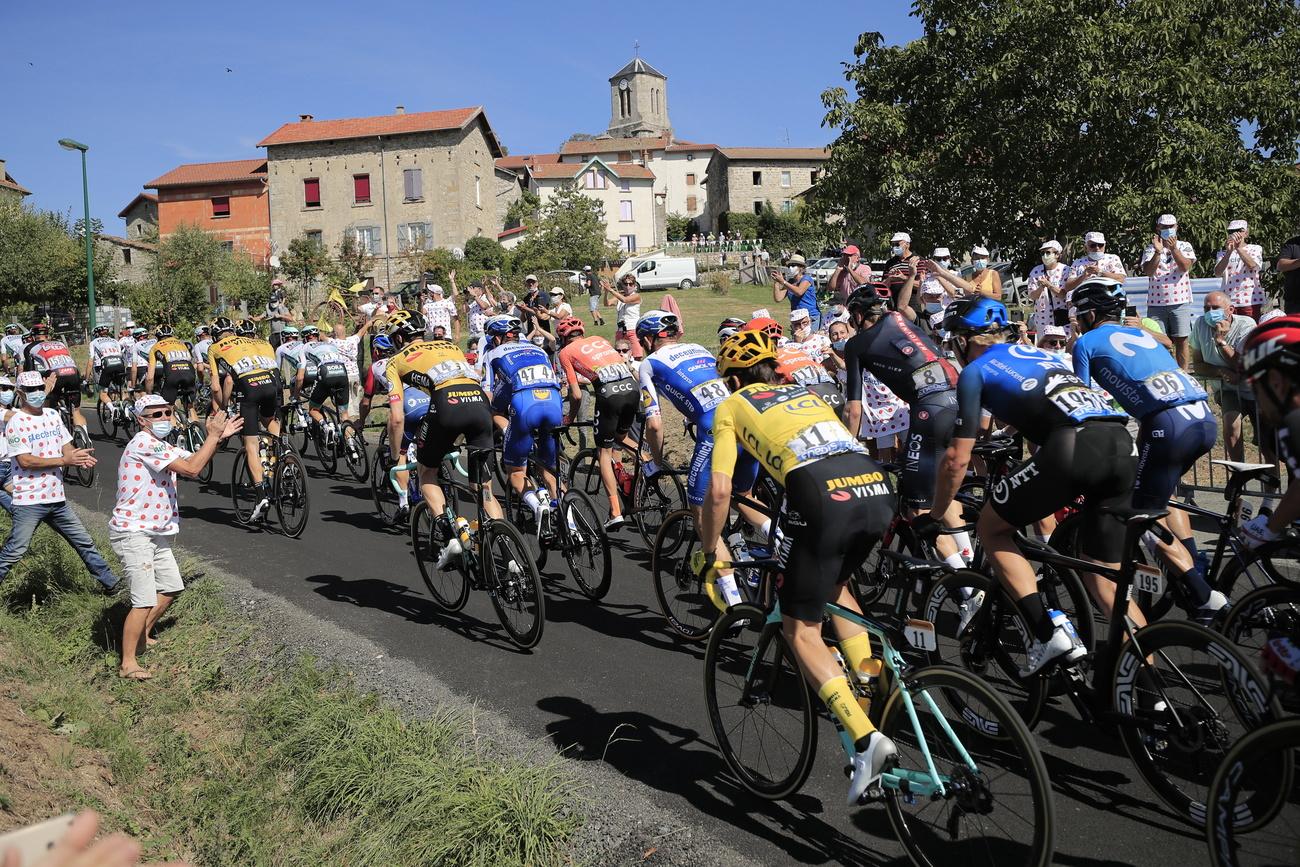 Cyclisme: les jets de déchets seront punis