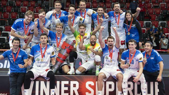 Les Lucernois célèbrent leur victoire. [Peter Schneider - Keystone]