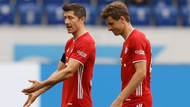 Lewandowski (gauche) et Müller (droite) ont dû s'avouer vaincus. [Keystone]