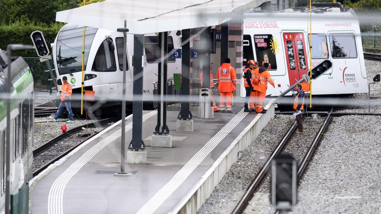 La rame du Lausanne-Echallens-Bercher qui a déraillé en gare d'Echallens. [Laurent Gillieron - Keystone]