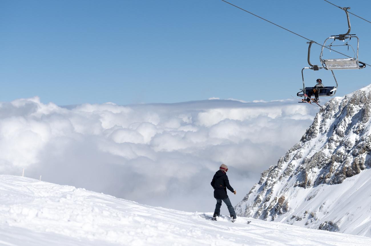 Ouverture précoce de la saison de ski à Glacier 3000, aux Diablerets