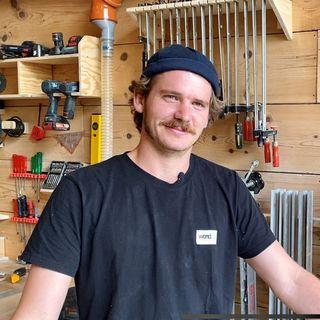 Lucas Bessard a la passion du bois dans ses veines. [Floriane Galaud - RTS]