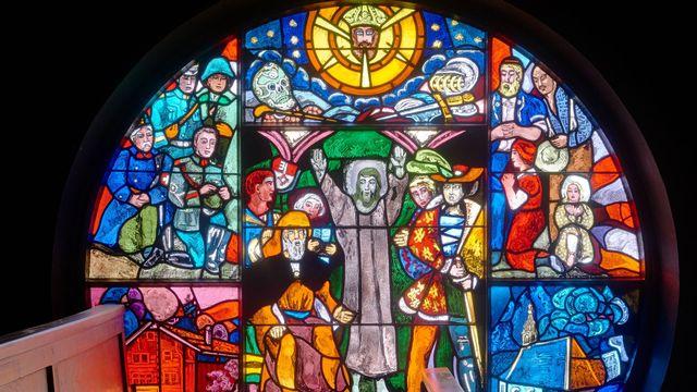 Les vitraux de la Basilique Notre Dame, signés Alexandre Cingria, à Lausanne. [@Gindroz]