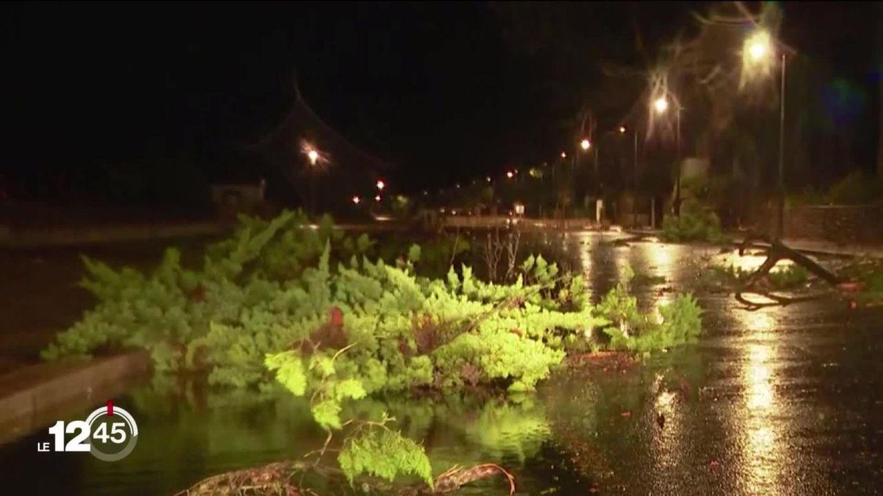 La tempête Alex ravage la côte atlantique française. [RTS]