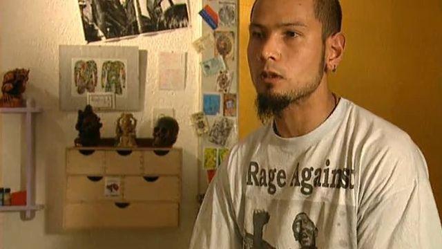 Rinzing est Valaisan et son grand-père a fui le Tibet occupé par la Chine, 1999. [RTS]