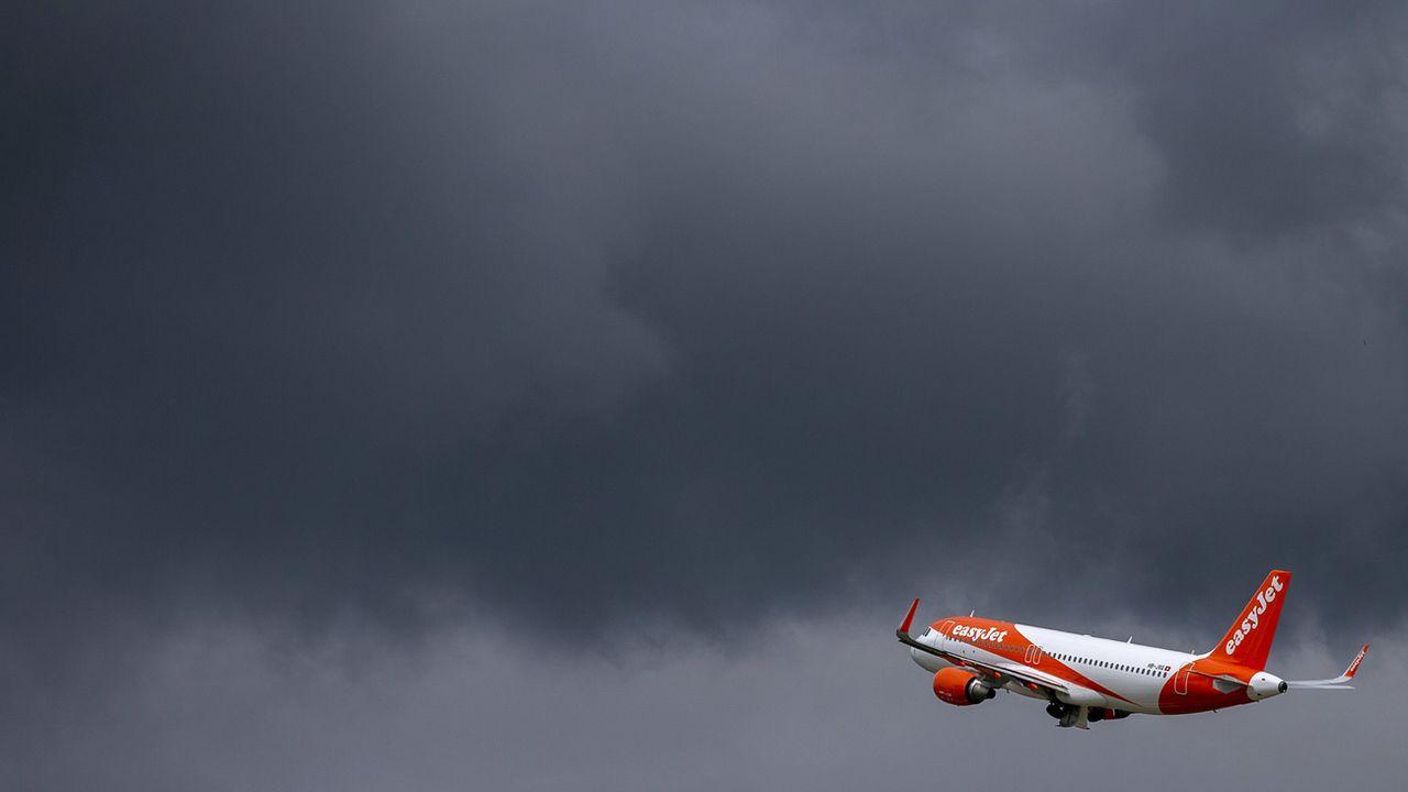Un Airbus A320 d'EasyJet au décollage depuis Genève le 15 juin 2020. [Salvatore Di Nolfi - Keystone]