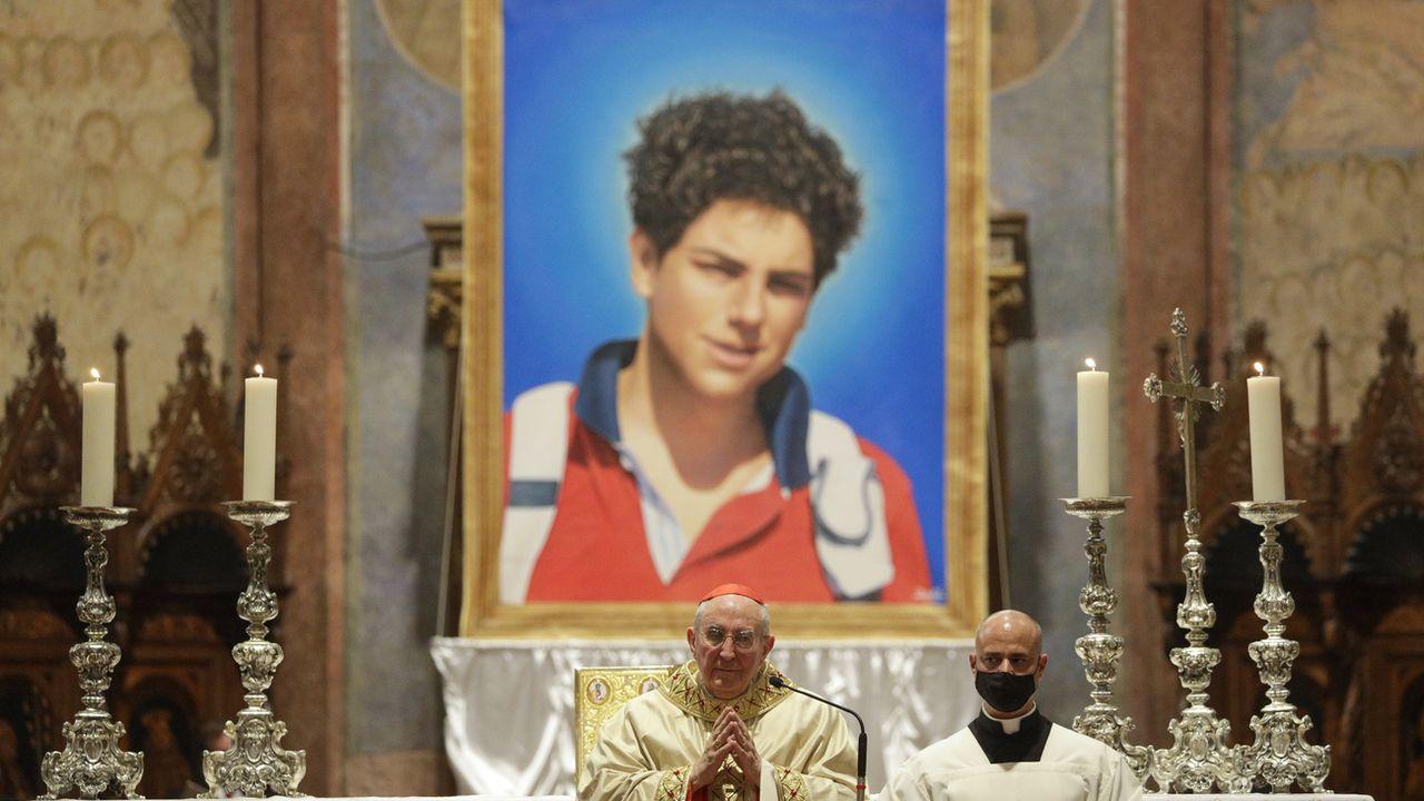 """Né à Londres en 1991, Carlo Acutis est décédé dans la région de Milan le 12 octobre 2006. Il avait été déclaré """"vénérable"""" à l'été 2018 et sa dépouille avait été transférée à Assise l'année suivante. [Gregorio Borgia - keystone]"""