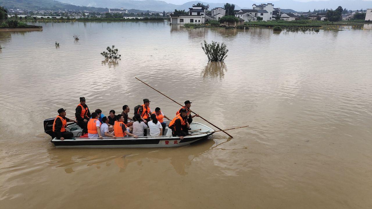 Le changement climatique est le principal responsable du doublement des catastrophes naturelles. [Liao Fa - Keystone/EPA]
