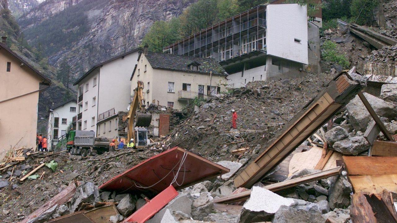 D'ici 2030, les catastrophes naturelles devraient faire 150 millions de victimes par année dans le monde. [Police Cantonale Valais - KEYSTONE]