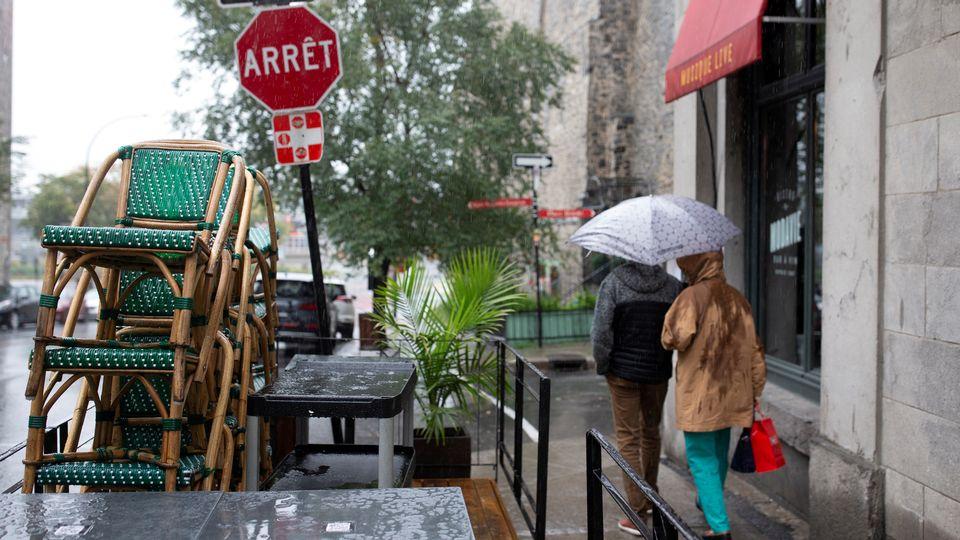 Il n'est à nouveau plus possible de manger ou de boire dans plusieurs restaurants et bars à travers le monde en raison de la recrudescence de la pandémie de Covid-19. [Christinne Muschi - Reuters/File Photo]