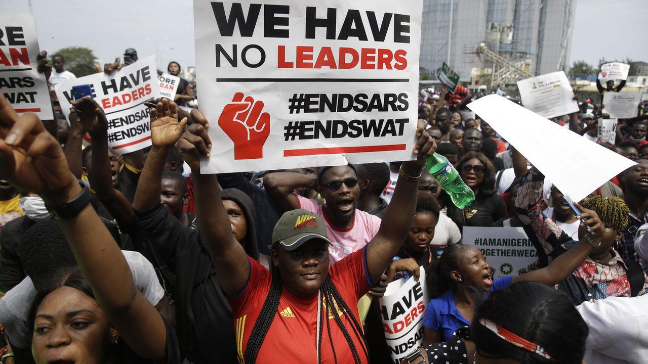 Au Nigeria, les rues de la capitale sont envahies par les manifestants. [Sunday Alamba - AP]