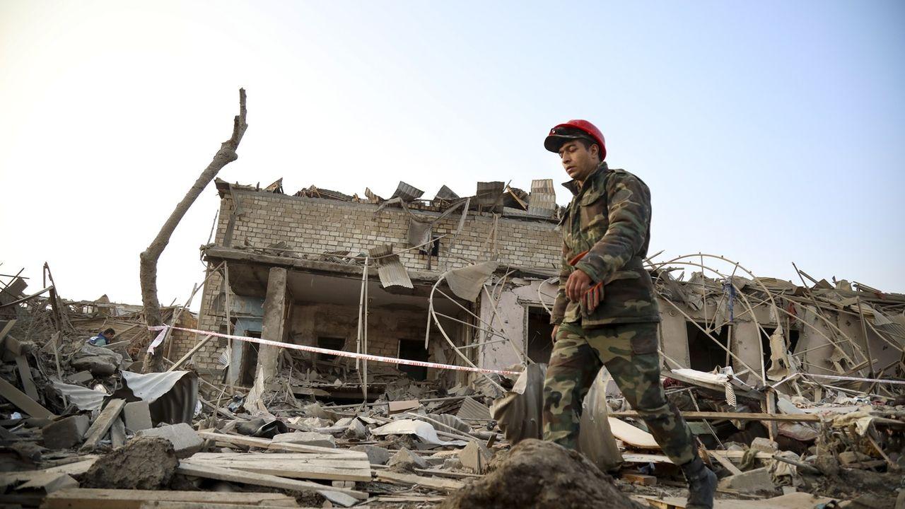 "L'Arménie et l'Azerbaïdjan annoncent une ""trêve humanitaire"". [Aziz Karimov - Keystone/AP]"