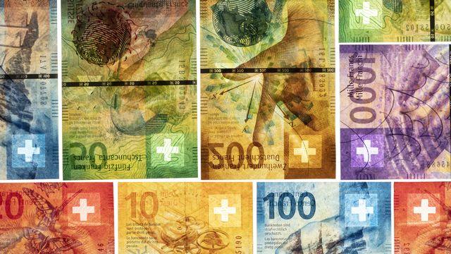 Des billets de banque suisses. [Gaetan Bally - Keystone]