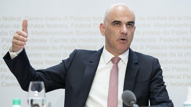Alain Berset fait le point sur la situation sanitaire lors de la conférence de presse du 21 octobre 2021. [Peter Schneider - Keystone]