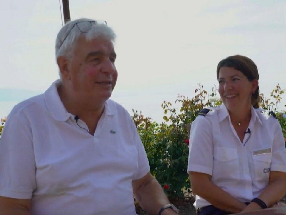 Jean-Pierre Rod et Sophie Aymond, unis par leur passion pour la navigation sur le Léman. [RTS]