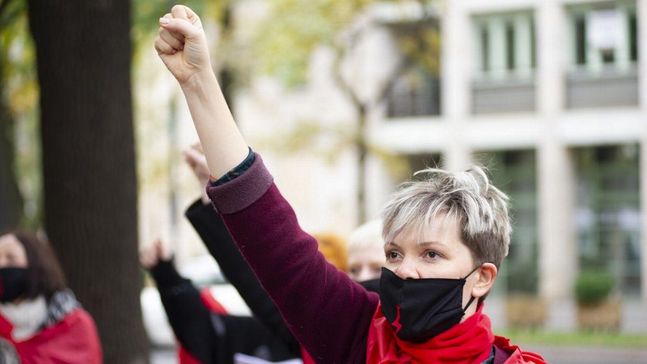 Le nouveau tour de vis en matière d'interdiction de l'avortement en Pologne a provoqué des mouvements de protestation. [Aleksander Kalka - AFP/NurPhoto]