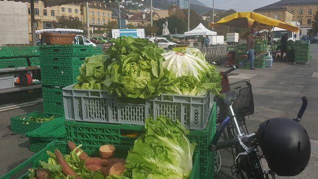Des légumes du marché distribués gratuitement. [DR]