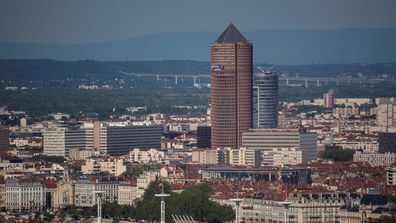 Des tags menaçant des élus de décapitation découverts à Lyon [Robert Pratta - Reuters]