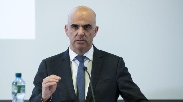 Le conseiller fédéral Alain Berset a annoncé les nouvelles mesures. [Peter Klaunzer - Keystone]