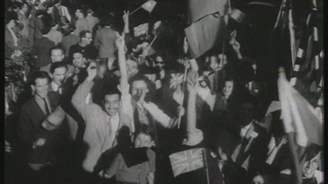 Si l'après-guerre nous était conté (1): mai 1945 en Suisse [RTS]