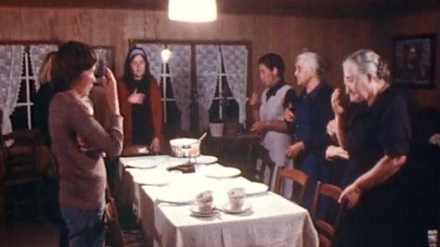 Veillée de la Toussaint à Haute-Nendaz en 1974. [RTS]