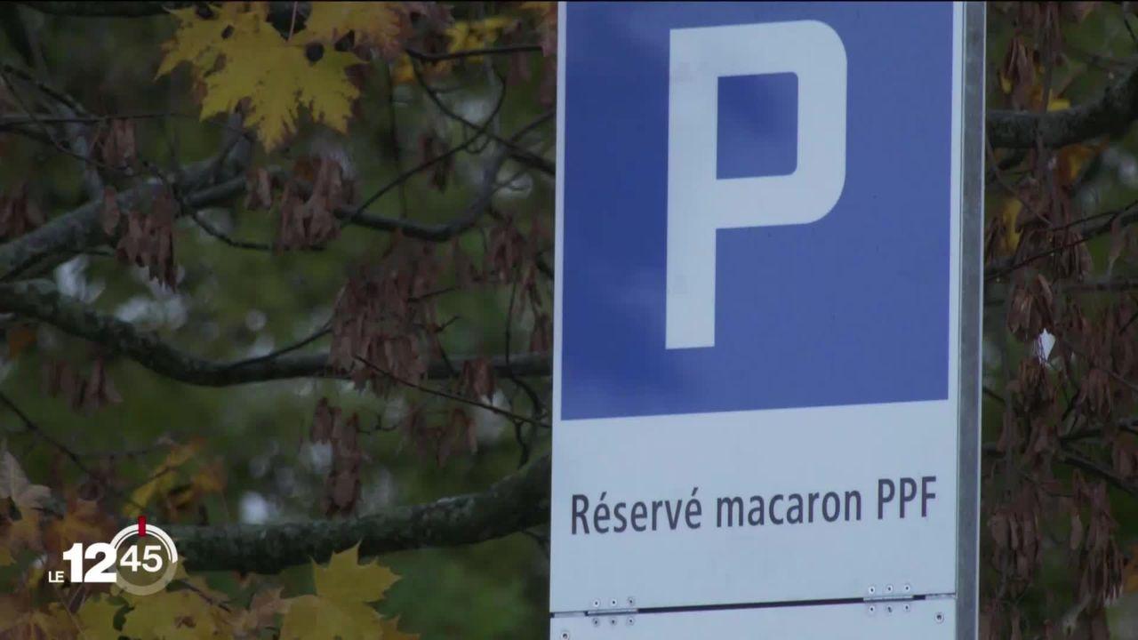 La Chaux-de-Fonds met à jour sa politique de stationnement et adopte le macaron. Petite révolution [RTS]