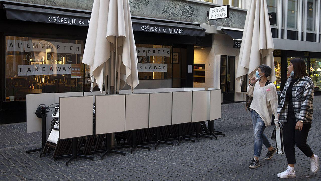 Les femmes ne profitent pas de la même manière des espaces publics du centre-ville de Genève, selon une étude. [Salvatore Di Nolfi - Keystone]