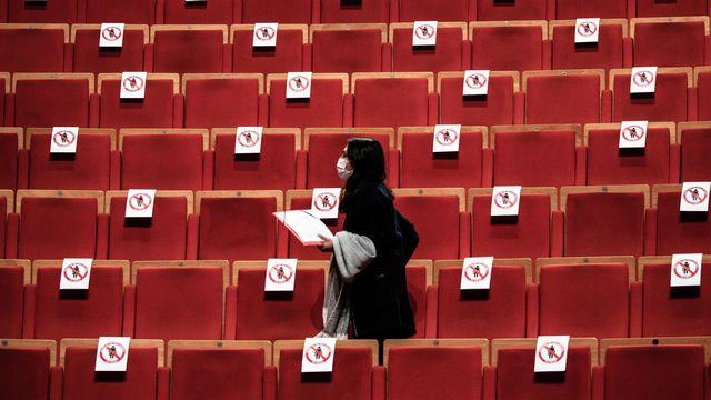 Des salles vidées de leurs spectateurs, la pandémie n'épargne pas les cinémas, petits ou grands (image prétexte). [Jeff Pachoud  - AFP]