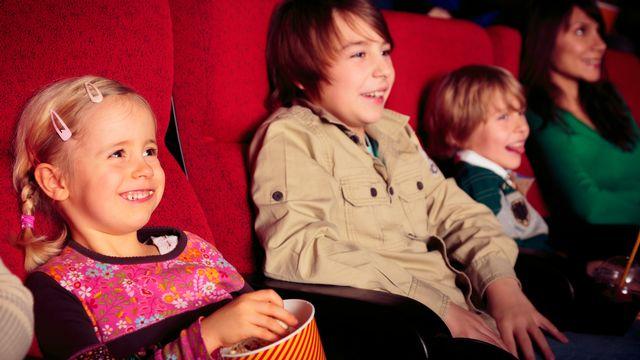 Comment fait-on naître lʹamour de la salle de cinéma chez les enfants, alors que lʹéducation à lʹimage est quasiment absente des programmes scolaires? [nullplus - Depositphotos]