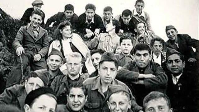 Groupe d'enfants de Buchenwald lors d'une sortie. [ETHZ]