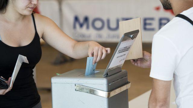 Des mesures particulières seront prises pour le vote d'appartenance de Moutier. [Jean-Christophe Bott - Keystone]