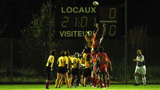Sport de contacts par excellence, le rugby est sujet aux commotions cérébrales. [Jean Yyissi - AFP]