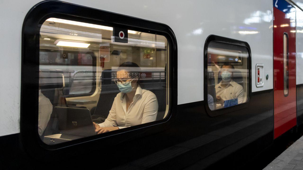 Monsieur Prix appelle les transports publics à revoir leurs offres. [Georgios Kefalas - Keystone]
