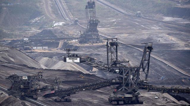 Une mine de charbon à Grevenbroich, en Allemagne. [AP Photo/Martin Meissner - AP/Keystone]