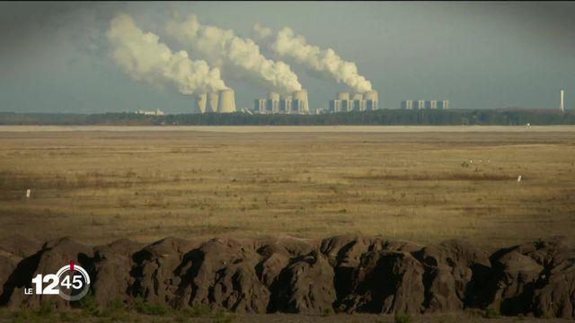 Le secteur financier, mauvais élève en matière de protection du climat, selon un rapport de l'Office fédéral de l'environnement. [RTS]