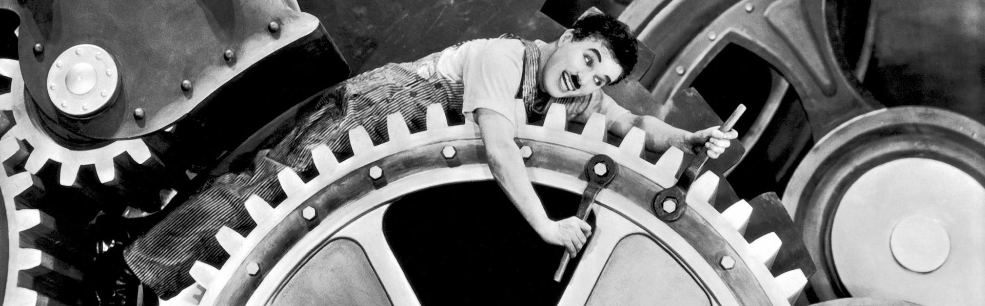 "Charlie Chaplin dans ""Les Temps modernes"". [CHARLES CHAPLIN PRODUCTIONS / COLLECTION CHRISTOPHEL - AFP]"