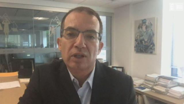 L'interview dans le 19h30 de Stéphane Bancel, PDG de l'entreprise de biotechnologie Moderna [RTS]