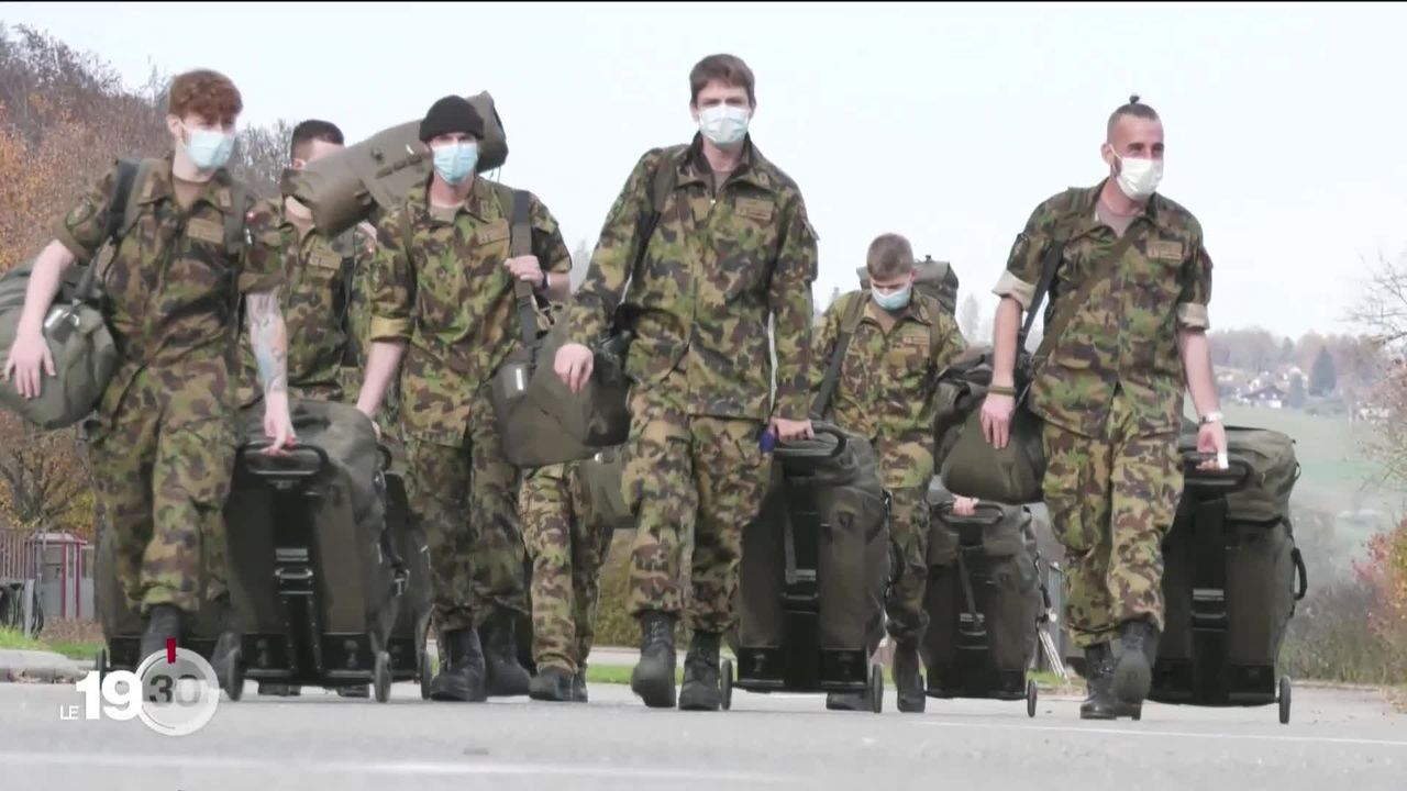 Moudon : entrée en service des militaires qui vont aider les soins en Romandie [RTS]