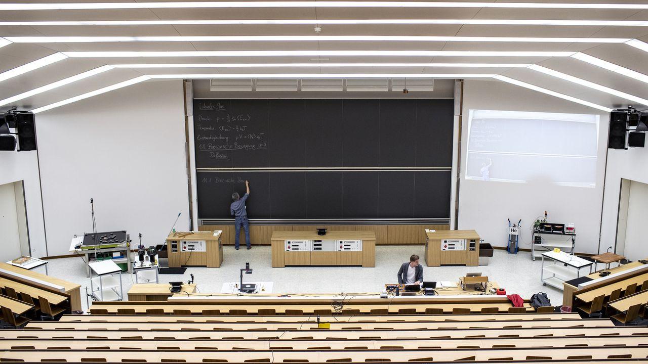 Un cours en ligne à l'École polytechnique fédérale de Zurich [Alexandra Wey - Keystone]
