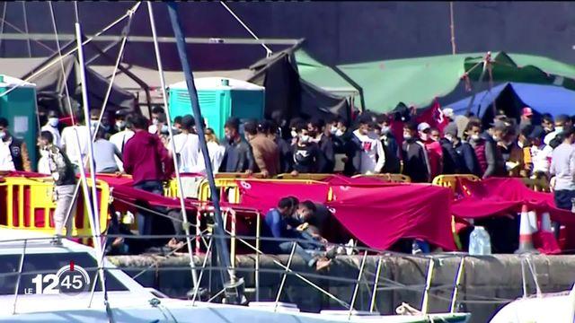 L'Espagne est débordée par la crise migratoire aux Canaries [RTS]