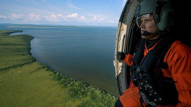 """Arctique: Les garde-côtes américains sont aux avant-postes du réchauffement climatique, dans le cadre de l'opération """"bouclier arctique"""". [Laurent Weyl/Collectif Argos - photo libres de droits]"""