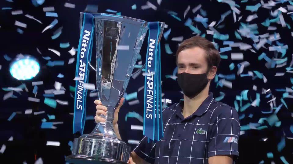 Finale, D. Medvedev (RUS) - D. Thiem (AUT) 4-6 7-6 6-4: le Russe remporte son premier Masters [RTS]